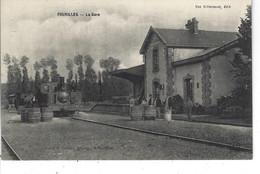 03 - FOURILLES - T.Belle Vue Animée De La Gare ( Beau Plan Du Train ) - Otros Municipios