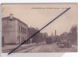 Cousances Aux Forges (55) La Gare (personnages Sur Le Quai ,wagon,marchandises..) - Other Municipalities