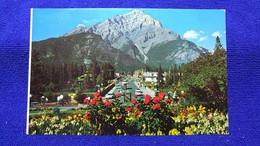 Banff Main Street And Cascade Mountain Alberta Canada - Banff