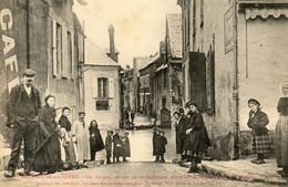 - VILLENEUVE Sur Yonne (89) - Inondations 1910, Barques Au Ravitaillement Quai Bretoche  -25108- - Villeneuve-sur-Yonne