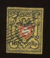 N° 15.  10 Rp.  Rayon II.  Pli Vertical.  Fold    Cote 150-euros - 1843-1852 Federal & Cantonal Stamps