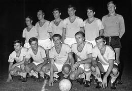 FOOTBALL -  EQUIPE De NANTES  Vers 1965 /1970  ( PHOTO  Agence PRESSE Sports) PHOTO L EQUIPE - Deportes