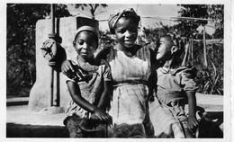 YOKO  - Petit Colloque à La Fontaine - Kameroen