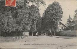 L'ISLE-ADAM - Rue Des écuries Ou Se Fait Le Marché. - L'Isle Adam