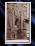 Photo CDV Anonyme - Saint Lô Chaire Extérieur De L'église Notre Dame, Circa 1880 L530B - Old (before 1900)