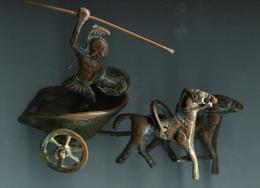 Statuette Probablement En Cuivre : Char - Chevaux - Lancier - Unclassified