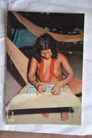 Guyane-artisan-femme Nue Tissant - Other