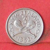 NEW ZEALAND 3 PENCES 1952 -    KM# 15 - (Nº39679) - Nuova Zelanda