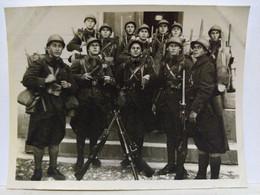 Alger. Caserne Hussein Dey. 32éme Génie. 1ère Compagnie. 1928. 11x8.5 Cm - Oorlog, Militair