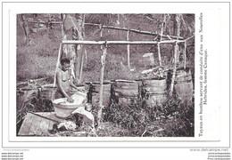 CPA Nouvelles Hébrides Tuyaux En Bambou Servant De Conduite D'eau Femme Canaque - Vanuatu