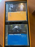 Eddy Mitchell Sur Scène 64-90 édition Limitée 3000 Ex. 7 Boîtiers Dont 3 Doubles, Soit 10 CD. Et Un Livret 32 Pages - Edizioni Limitate