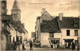 63 - PIONSAT - Place Du Fil  *** Animée - Commerces *** - Sonstige Gemeinden