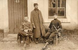 - Trois Soldats - - Personajes