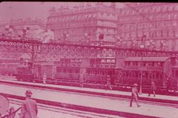 Photo Diapo Diapositive Slide Train Locomotive Vapeur Train De Banlieue à étage à Paris Gare St Lazare En 1908 VOIR ZOOM - Diapositives (slides)