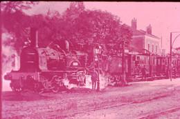 Photo Diapo Diapositive Train Locomotive Vapeur Machine 220 - 704 En Gare à 37 CHINON En 1913 VOIR ZOOM - Diapositives (slides)