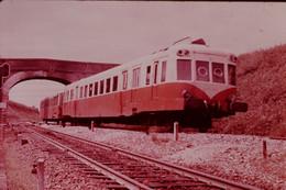 Photo Diapo Diapositive Train Autorail Unifié 600 CH Série X 2400 Entre Bréauté Beuzeville & Fécamp 1951-1955 VOIR ZOOM - Diapositives (slides)