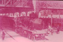 Photo Diapo Diapositive Slide Train Locomotive Vapeur Machine C 80 P.L.M à 06 CANNES En 1906 VOIR ZOOM - Diapositives (slides)
