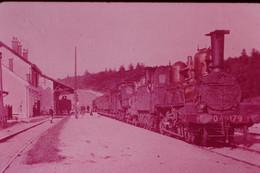 Photo Diapo Diapositive Slide Train Locomotive Vapeur Machine 179 PO En Gare à 91 SACLAS En 1906 VOIR ZOOM - Diapositives (slides)