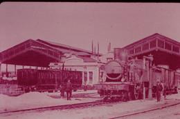 Photo Diapo Diapositive Slide Train Locomotive Vapeur Machine 23 PO En Gare à ORLEANS LES AUBRAIS En 1907 VOIR ZOOM - Diapositives (slides)