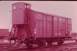 Photo Diapo Diapositive Slide Train Locomotive Wagon Couvert 40 Hommes 8 Chevaux Dit Unifié En 1928 VOIR ZOOM - Diapositives (slides)