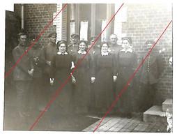 Le Ronssoy Canton De Péronne  Photo Allemande 1917 Infirmières Et Officiers Allemands - Sonstige Gemeinden