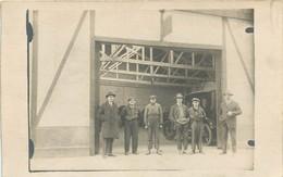Carte Photo à Identifier - Garage Automobile - La Bande à Bonnot - Années 20/30 - Te Identificeren