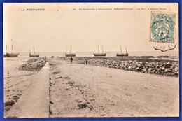 CPA 50 De Granville à Cherbourg - REGNEVILLE - Le Port à Marée Basse - Sainte Mère Eglise