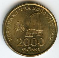 Viêt-Nam Vietnam 2000 Dong 2003 KM 75 - Vietnam