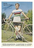 CARTE CYCLISME NICOLE VAN DEN BROECK SIGNEE CHAMP. MONDE ( PARTIE ARRIERE DETERIOREE, VOIR PHOTO DEL ANNONCE ) - Radsport