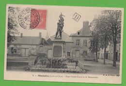 41 - Montoire - Place Saint Denis Et Le Monument - Montoire-sur-le-Loir