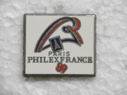 Pin's - A.B. Arthus BERTRAND PARIS PHILEXFRANCE Bicentenaire De La Révolution 1989 - Pins Badge - Arthus Bertrand
