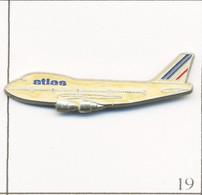 "Pin's Aviation - Magazine ""Atlas-Air France"". Estampillé Corner/Coinderoux. Métal Peint. T749-19 - Vliegtuigen"