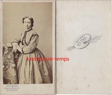 Belle CDV  Par Mouret, Peintre De Miniatures à Paris Rue De Rivoli-femme Mode Second Empire - Anciennes (Av. 1900)