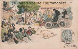 """CPA Lithographiée """"Au Passage De L' Automobile"""" Voiture Cochon Porc Pig Accoucheuse Auberge Illustrateur Anonyme 2 Scans - Schweine"""
