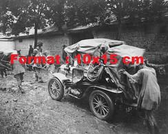 Reproduction Photographie Ancienne D'une Automobile De Dion Bouton Course Pékin-Paris Tractée Par Des Hommes En 1907 - Reproductions