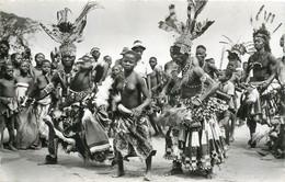 "CPSM CONGO BELGE ""Mweka, Danses Chez Les Bakubas"" - Congo Belga - Altri"