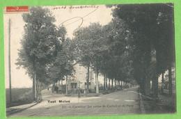UR0562  CPA   TOUT MELUN   (Seine Et Marne) Carrefour Des Routes De Corbeil Et De Paris  - RESTAURANT  ++++ - Melun