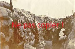 PHOTO FRANCAISE - POILUS AU PERISCOPE TRANCHEE DU LABYRINTHE A ECURIE PRES DE ARRAS PAS DE CALAIS - GUERRE 1914 1918 - 1914-18