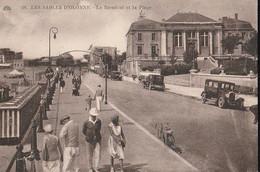 LES SABLES D'OLONNE - Le  Remblai .et  La Plage Cliché Pas Courant. - Sables D'Olonne