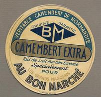 ETIQUETTE De FROMAGE.. CAMEMBERT De NORMANDIE.. Pour Les Grands Magasins AU BON MARCHE - Cheese