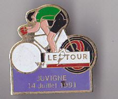 PIN'S THEME SPORTS / CYCLISME TOUR DE FRANCE  14 JUILLET 1991 JUVIGNE EN MAYENNE - Ciclismo