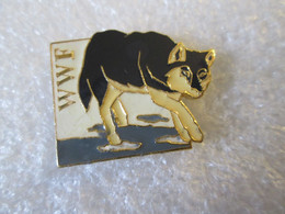 PIN'S   WWF  LOUP - Animali