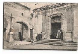 Antibes Top Rare  10 Enfants Devant L'Eglise  Le Portail  16 éditeur Non Identifié   TBE Juan Les Pins  D133 - Altri