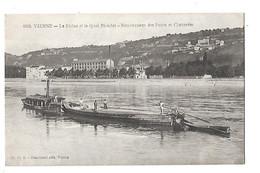 VIENNE  (cpa 38)   Le Rhône Et Le Quai Riondet   Remorqueur De Péniches Des Ponts Et Chaussées-  L 1 - Vienne