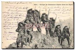 CPA Militaria Chasseurs Alpins Groupe De Chasseurs Alpins Dans Les Alpes - Uniformen
