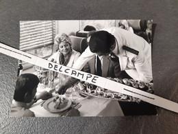 SNCF : Photo Originale JC DEWOLF 12,5 X 17,5 Cm : Espace Restaurant Voiture TEE - Treni