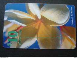 BAHAMAS : BAH23 $10 FRANGIPANA Flower USED - Bahamas