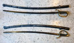 Sabre Cavalerie Légère Avec Son Fourreau Modèle 1822. - Knives/Swords