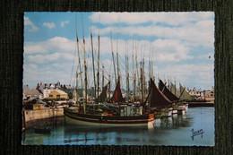 St Guénolé : Thoniers Au Repos Dans Le Port, 1970. - Altri Comuni