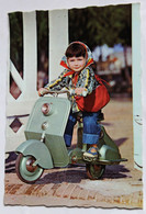 Carte Postale Vintage Jeune Fille Sur Scooter Jeu Jouet Ancien Série N°6160 - Speelgoed & Spelen